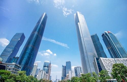 融创中国加速商业布局 携手收购上海广场90%股权