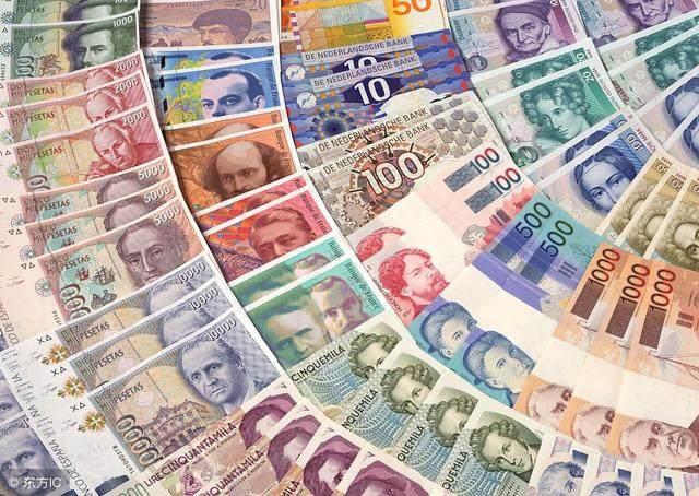 美国美元和美债面临将到达临界点,全世界多国掀起抢发人民币债券